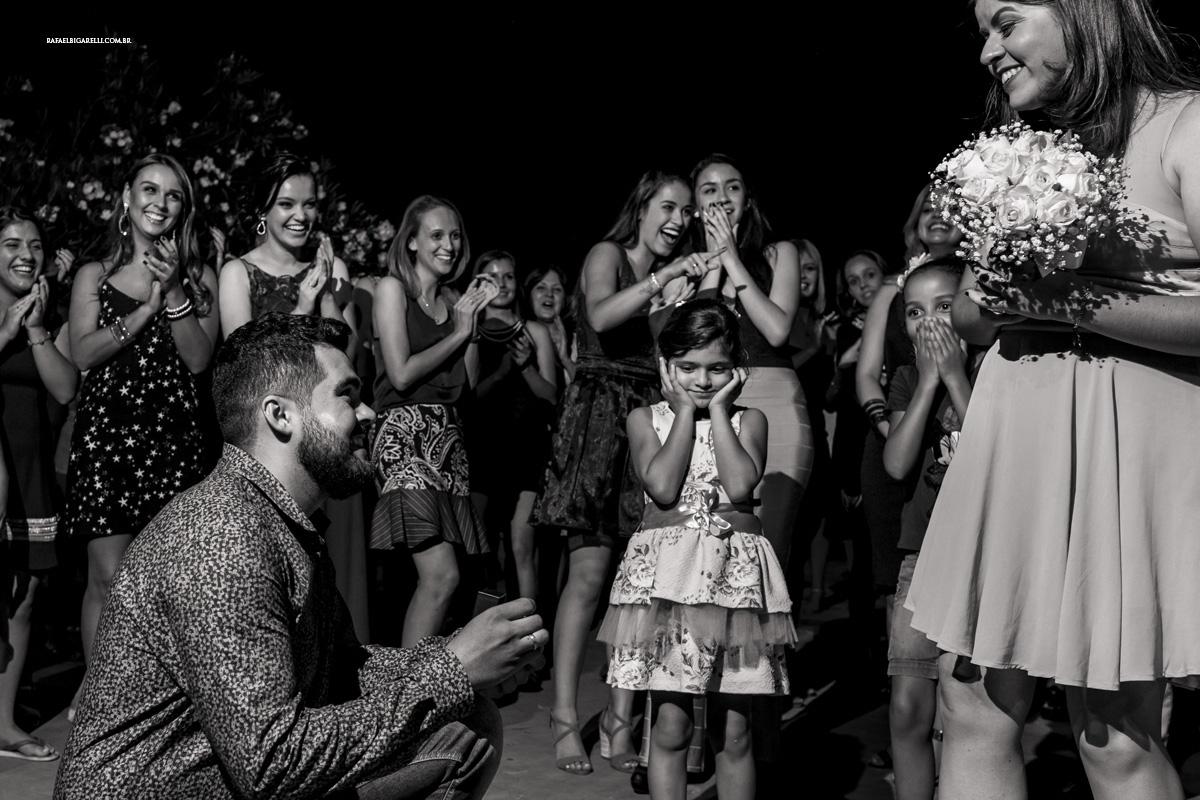 predido de casamento preto e branco