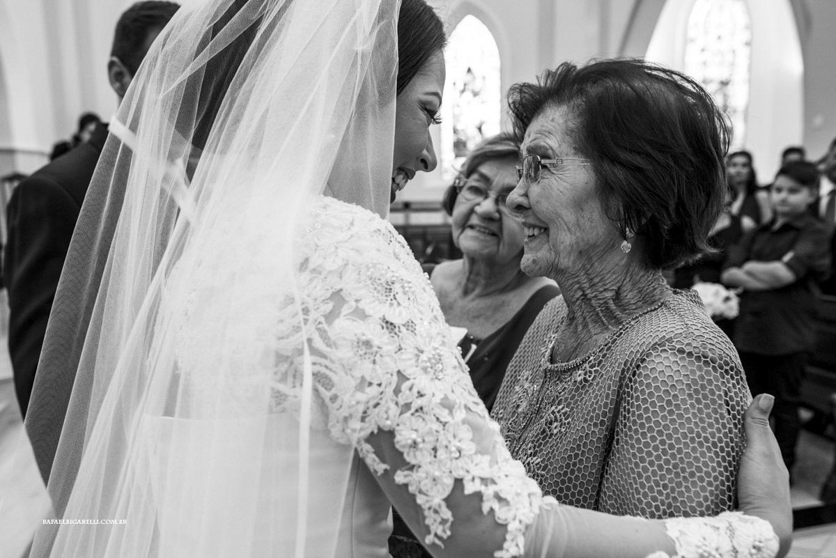 avós com noivos no casamento