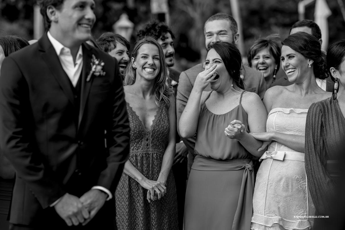 madrinhas e noivo preto e branco