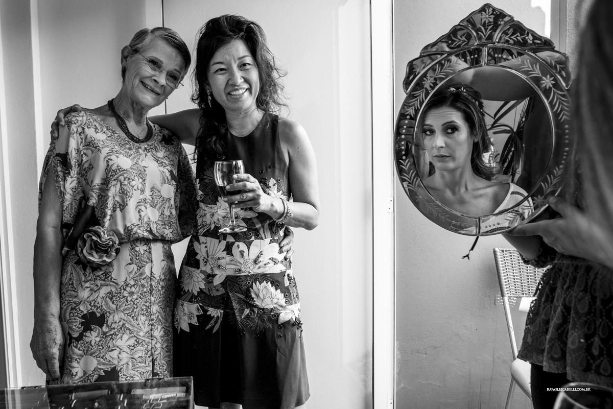 reflexo da noiva no espelho