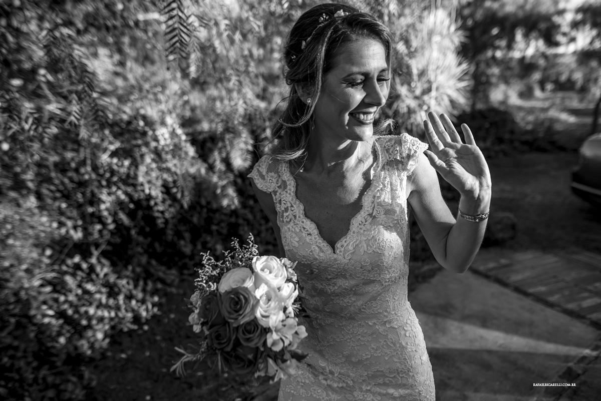 entrada da noiva flores preto e branco