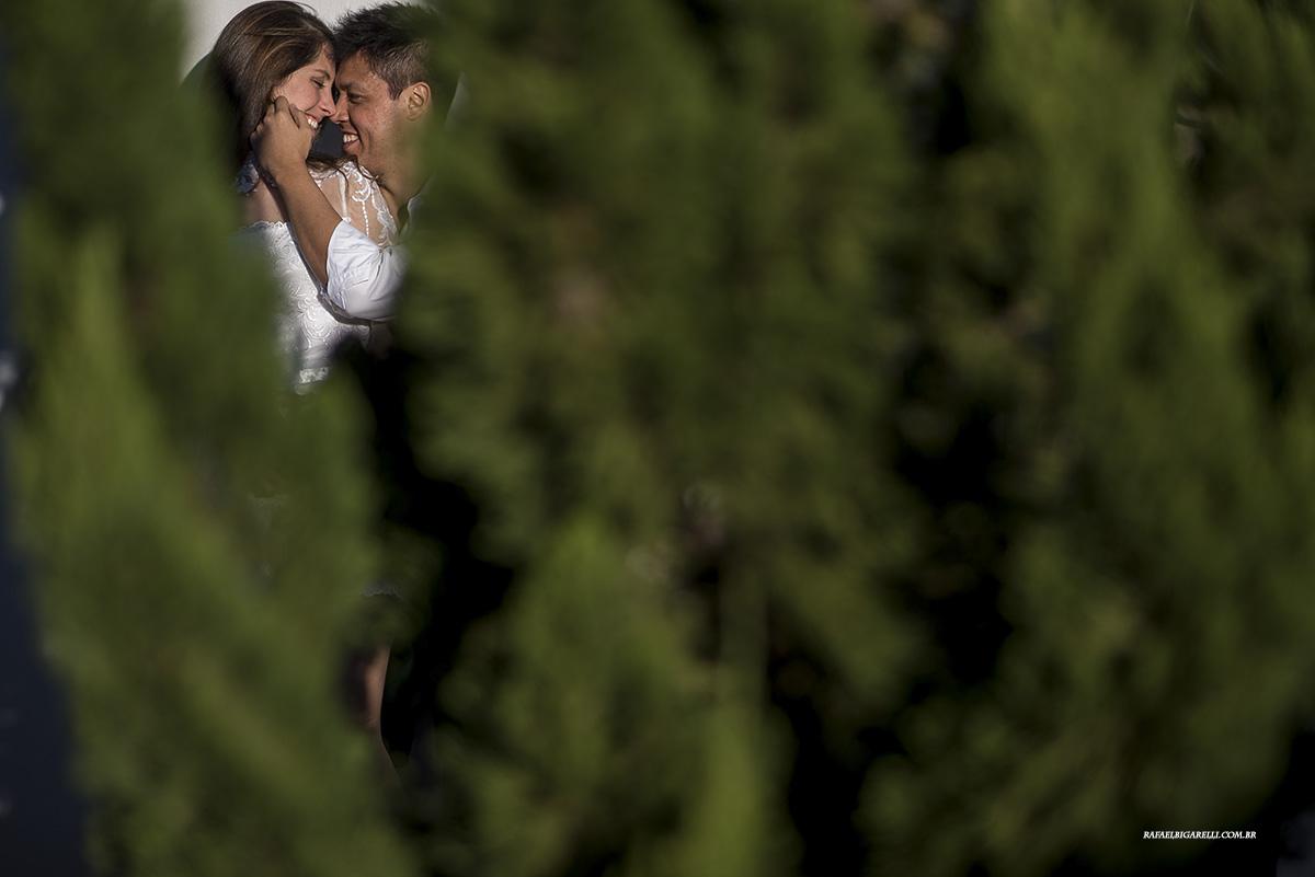 noivos pre casamento foto criativa