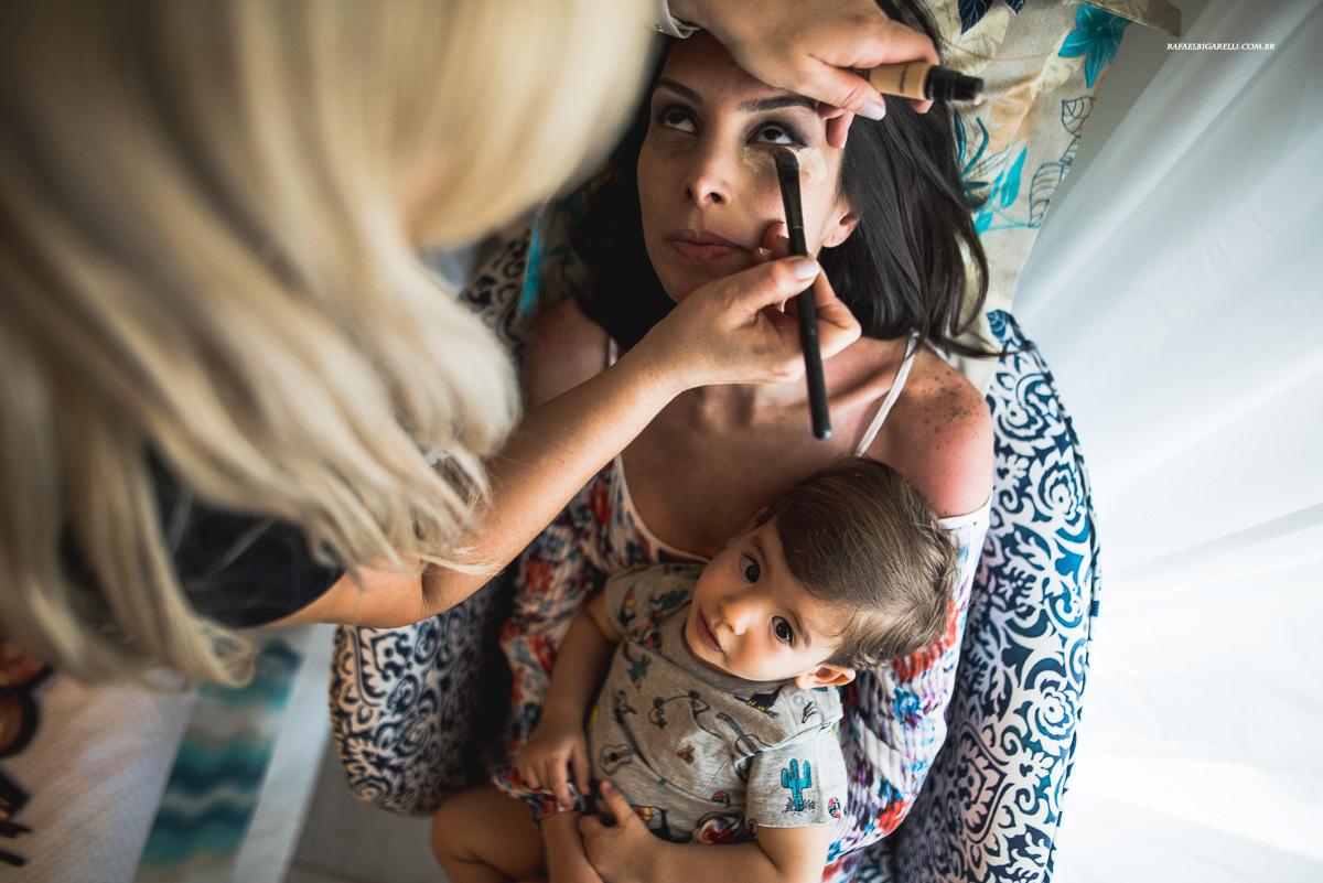 maquiagem de noiva com sobrinho no coolo