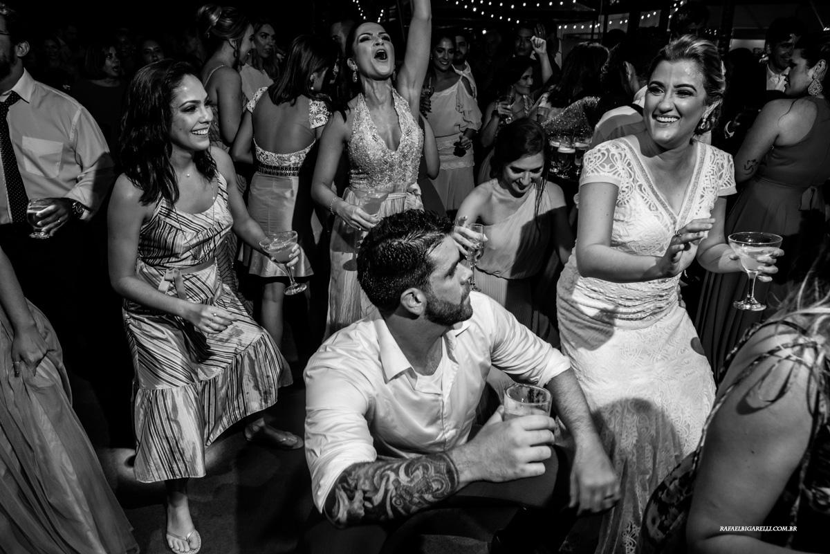 pista de dança animada no casamento