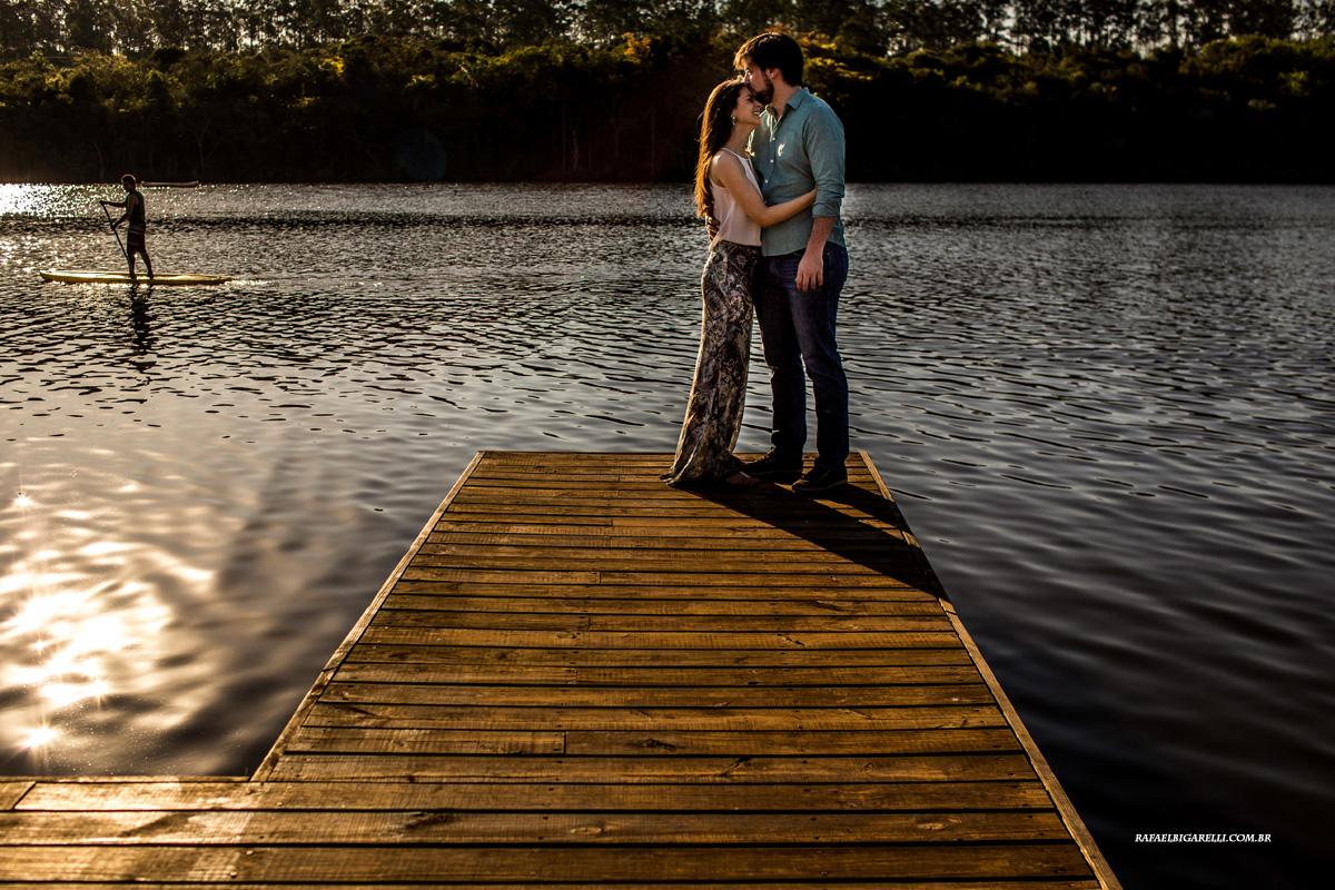 noivos em sessao de fotos antes do casamento