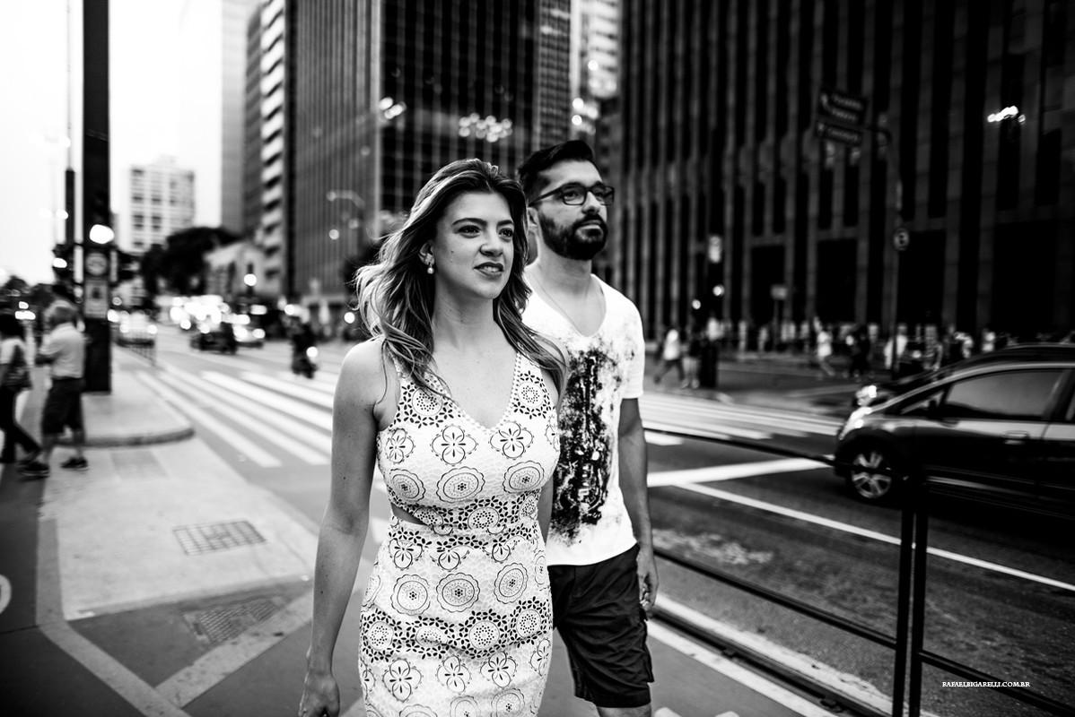 ensaio strett de noivos na avenida paulista