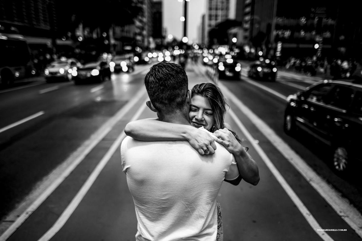 abraço na avenida paulista