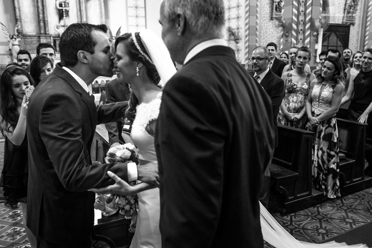 entrega da noiva ao seu futuro esposo
