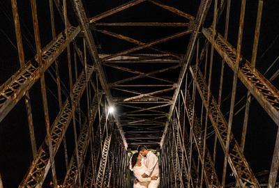 Capa do álbum do Session it de Lila + Marko fotografados por Rafael Bigarelli Fotógrafo de casamento