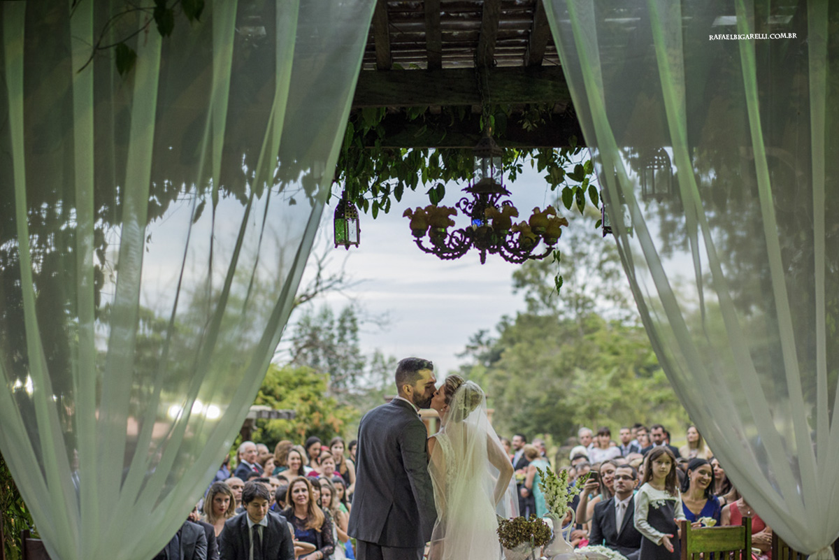 o primeiro beijo de casamentos