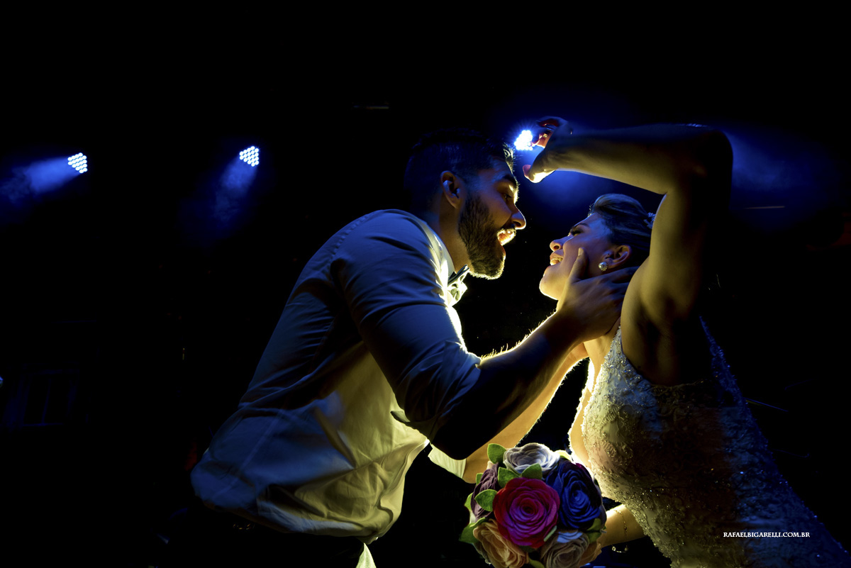 luzes naturais em fotos de casamento