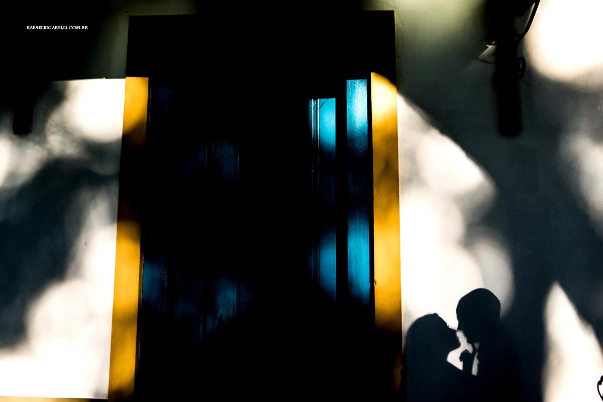 foto pre casamento de sombra na parede