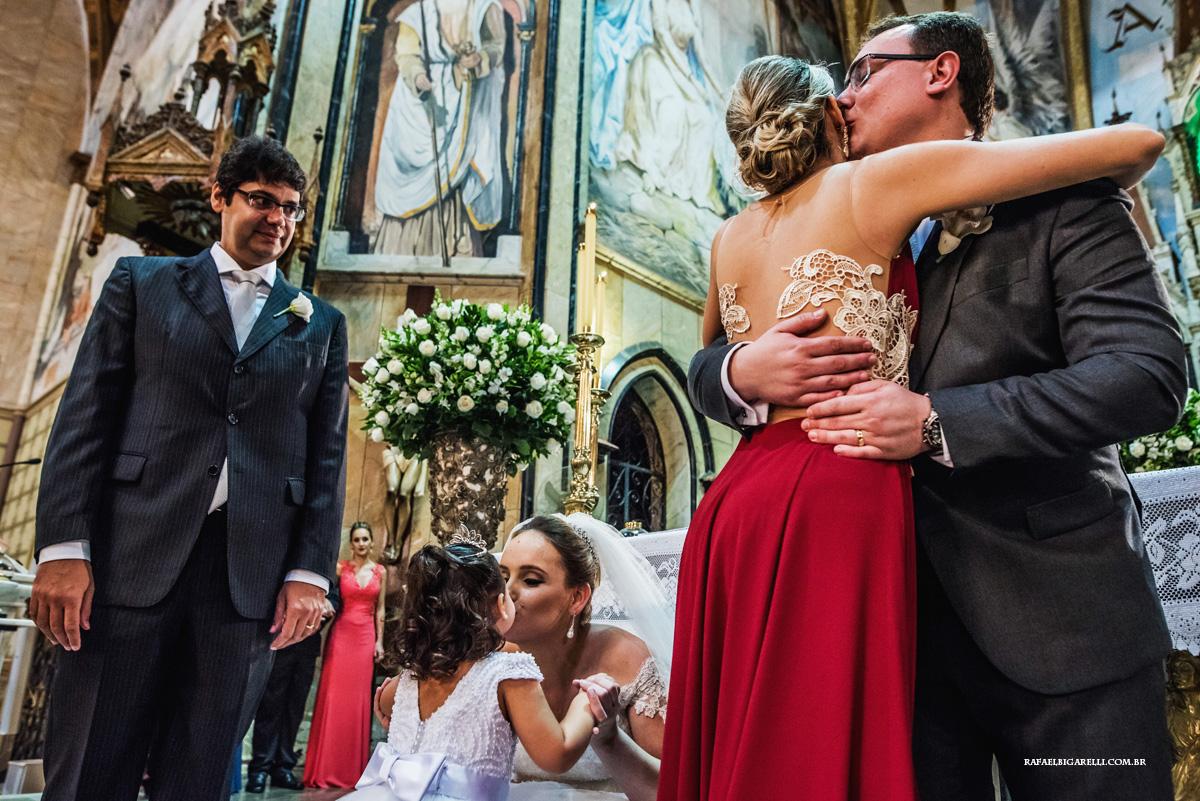 emoção dos padrinhos no casamento
