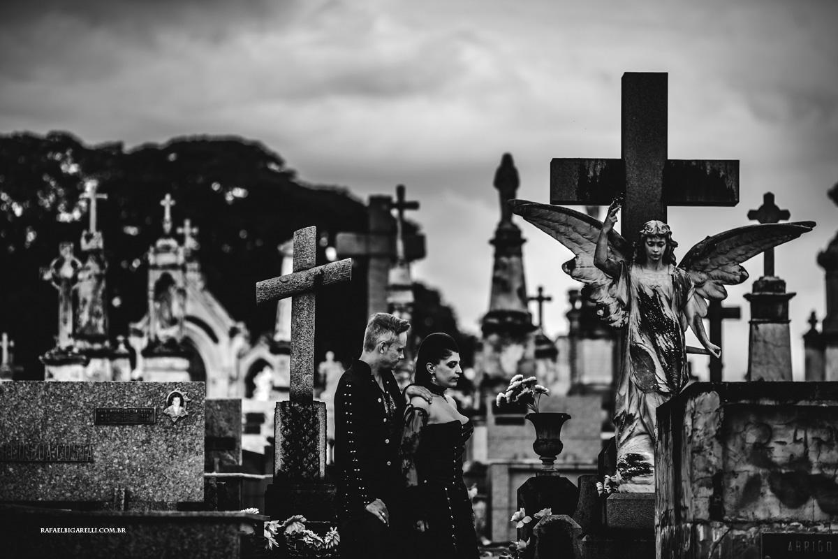 fotografia de casamento jau ensaio casal cemitério