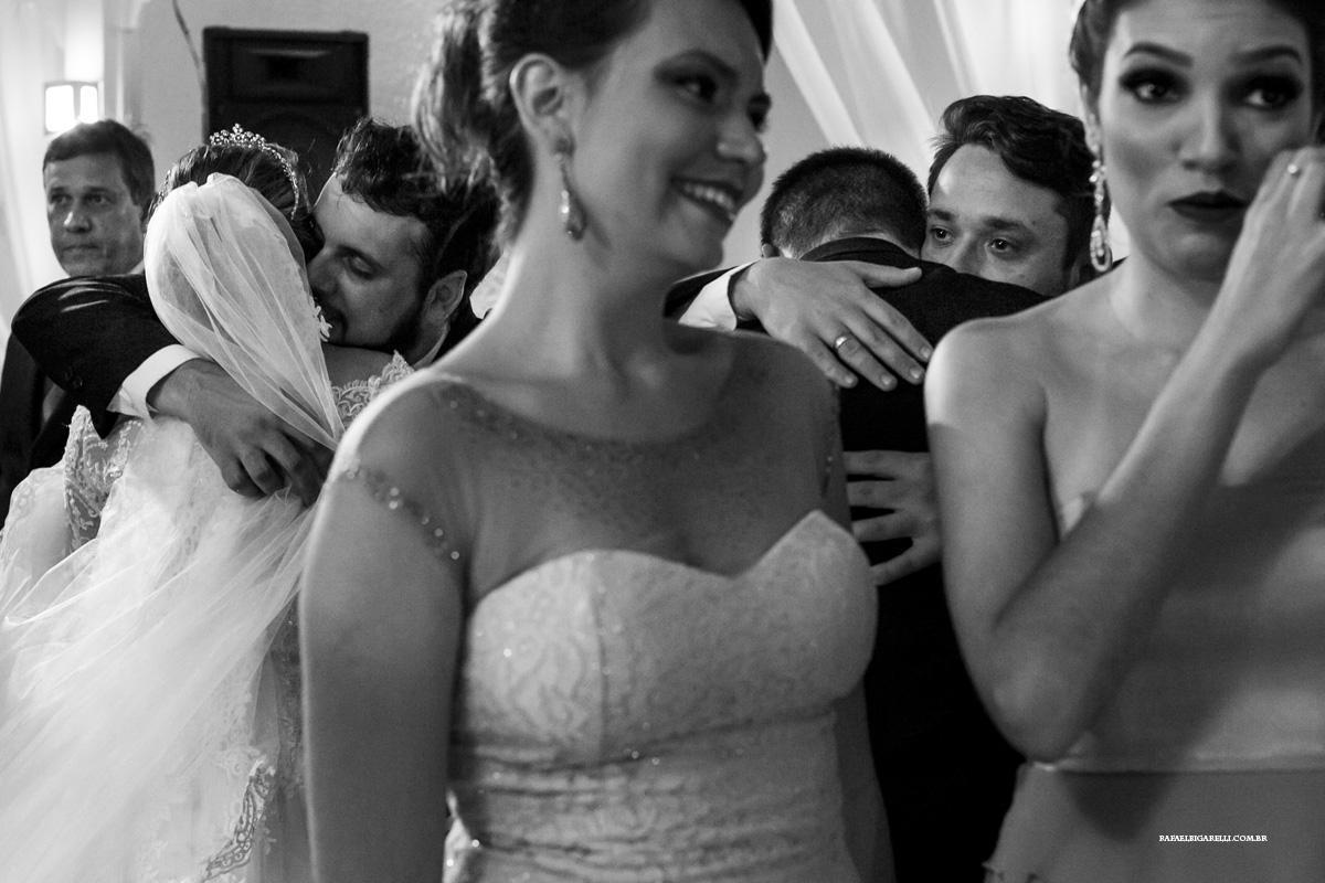 cumprimentos emocionantes no casamento