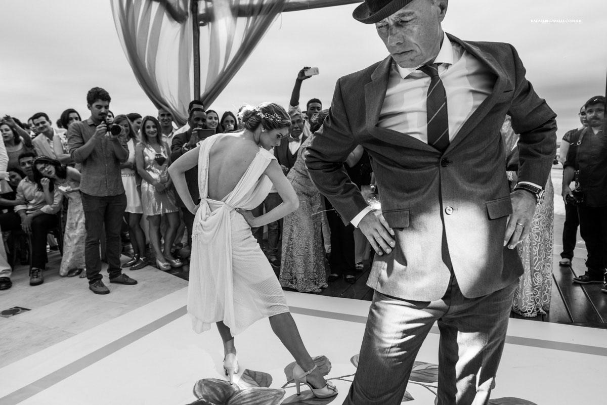 casal dança tango em casamento em búzios