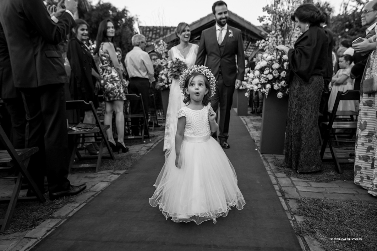 daminha aprontando no casamento