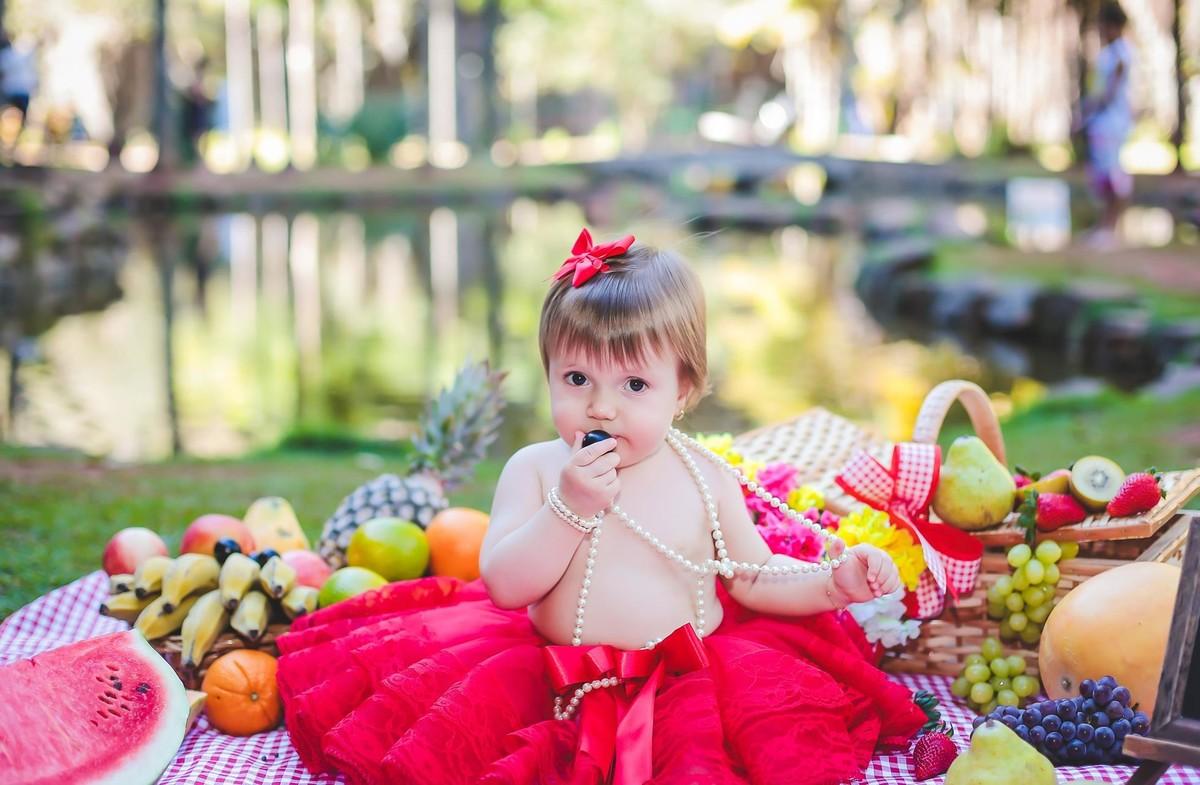 Bebes com fotos com frutas