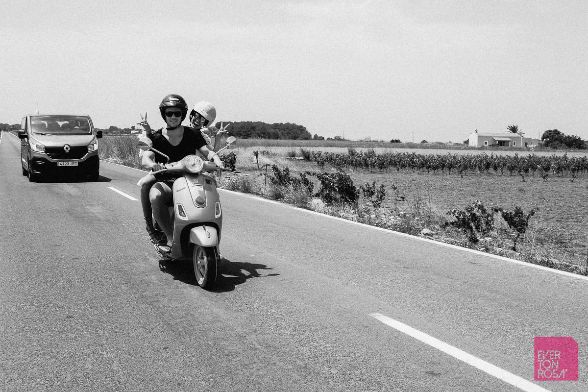 moto Ibiza asfalto Espanha