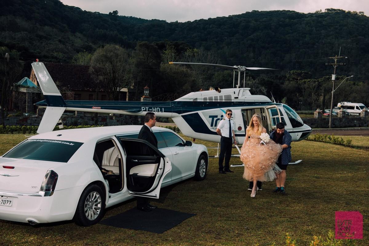 casal ensaio com carros