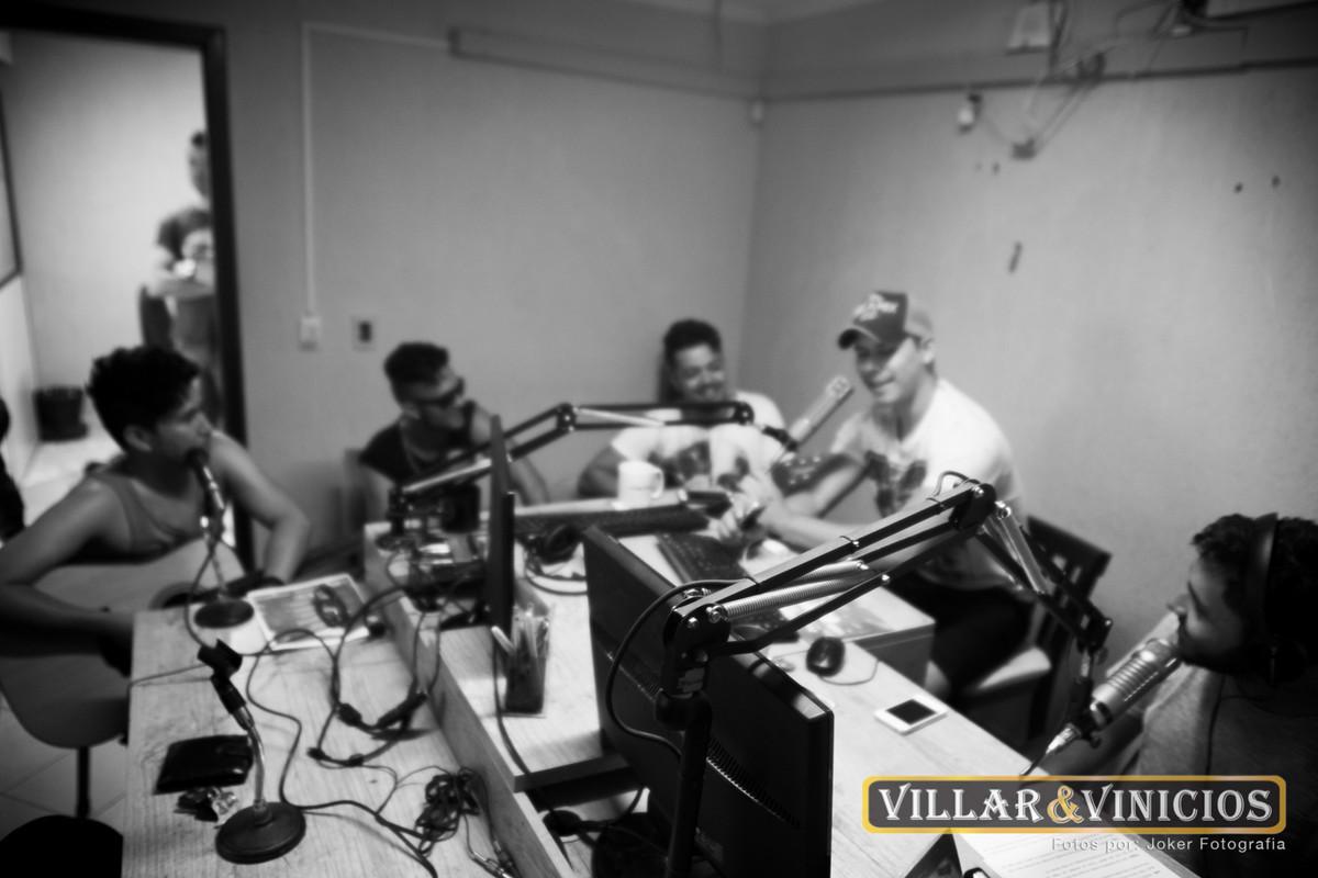 fotógrafo profissional registra transmissão ao vivo na rádio massa fm em paranaguá