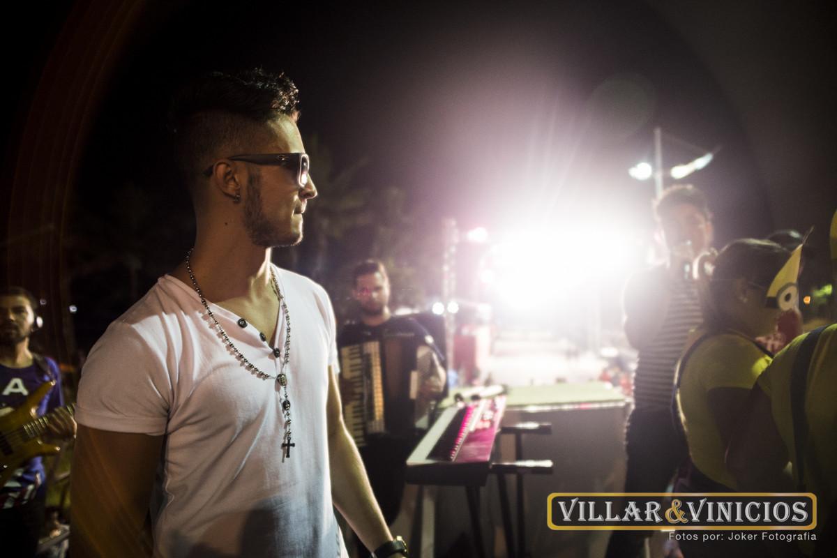 fotógrafo de shows faz fotos de palco da dupla sertaneja villar e vinicios