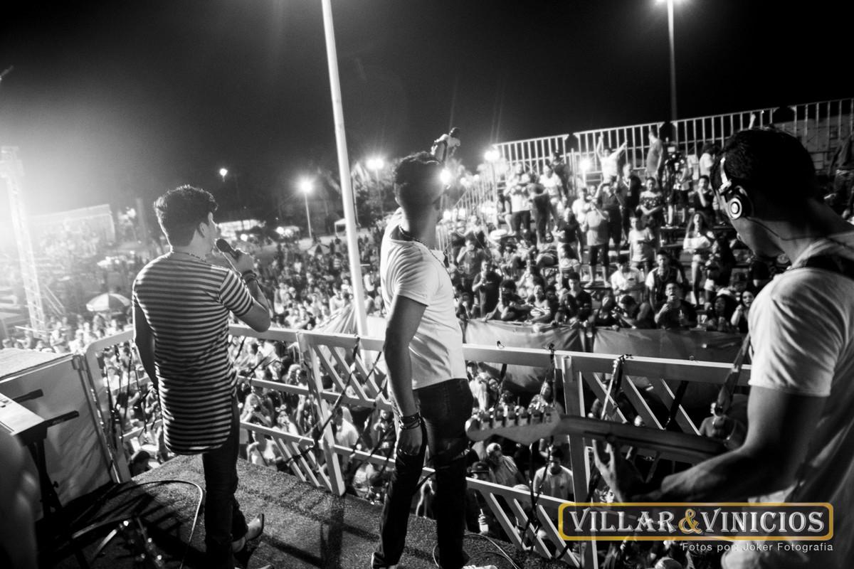 fotógrafo particular para cantores faz acompanhamento durante o show