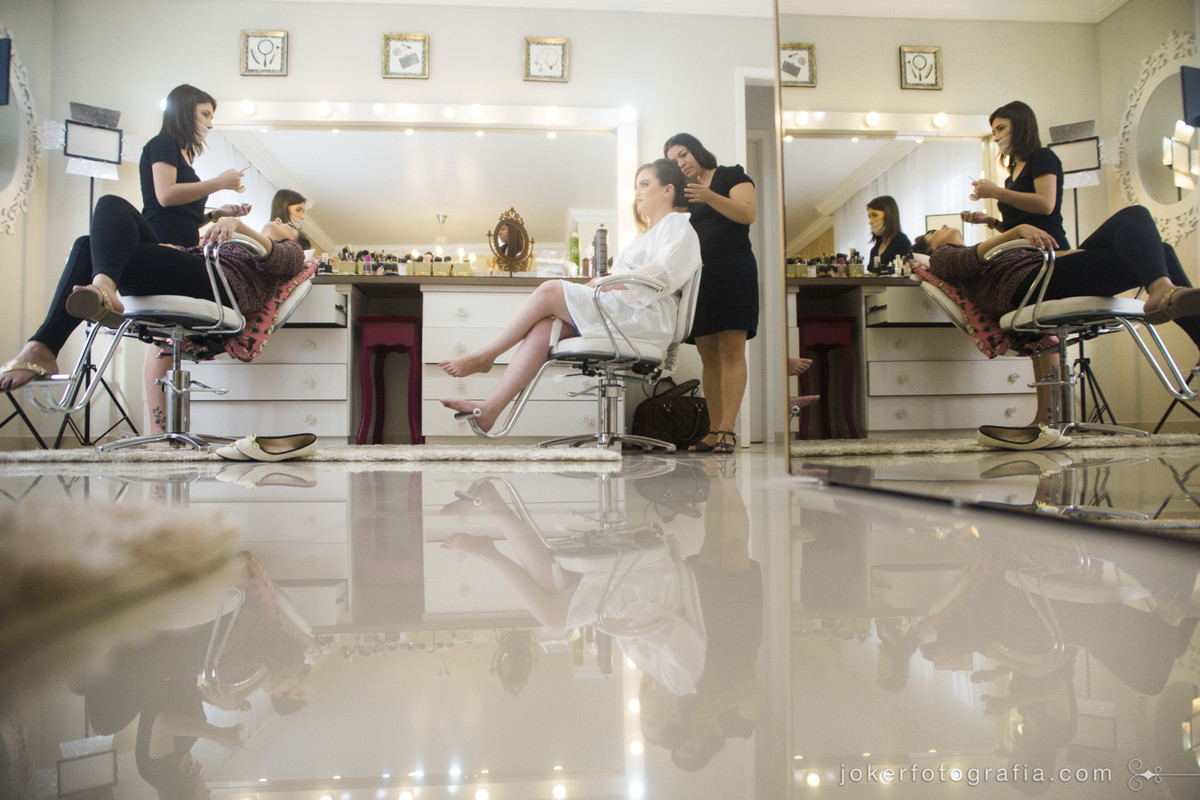 studio da maquiadora thais guerini tem espaço exclusivo para atender as noivas
