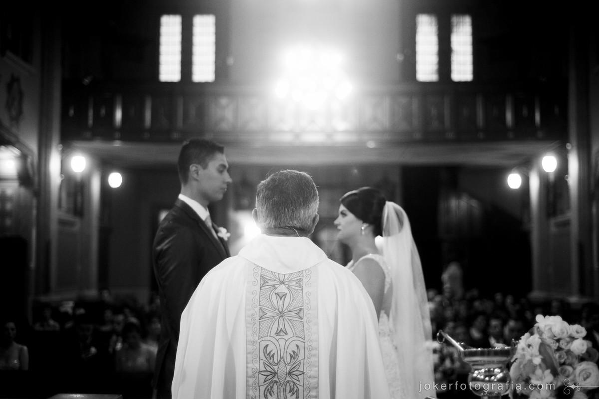 Você sabe como escolher o melhor fotógrafo para o seu casamento?