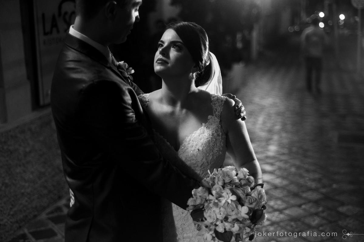 escolher um fotógrafo diferente do tradicional é uma tarefa fácil se você se identificar com o estilo dele