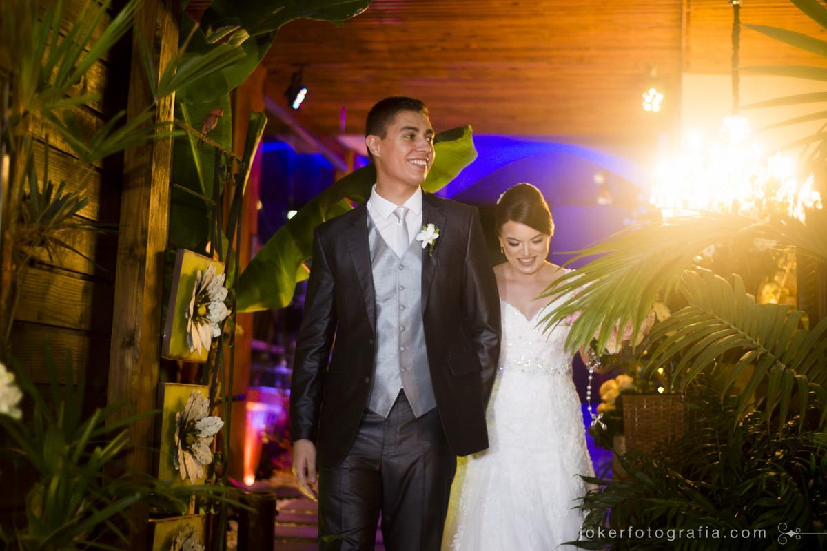 entrada dos noivos no bamboo social events