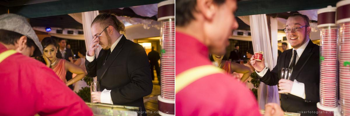 fotógrafo registrou o antes e depois das pessoas ganhando um sorvete