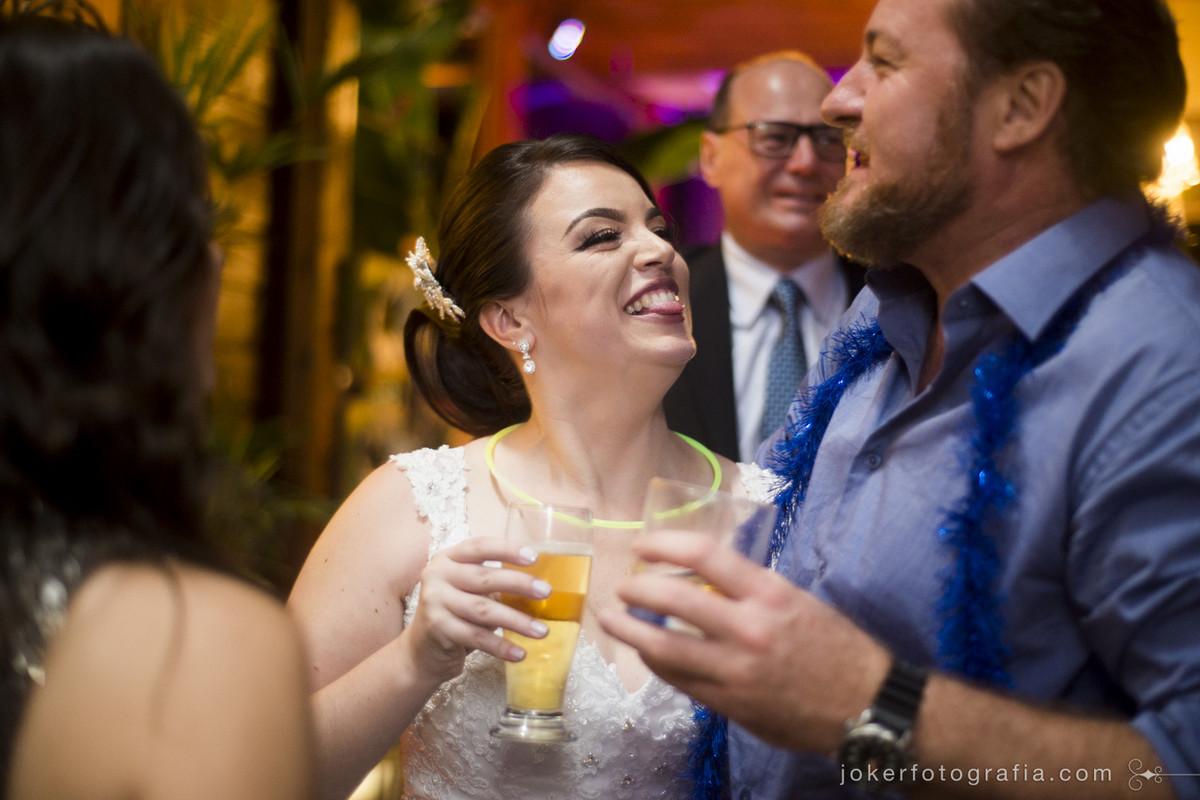 fotógrafo registra baile do casamento espontâneo e divertido