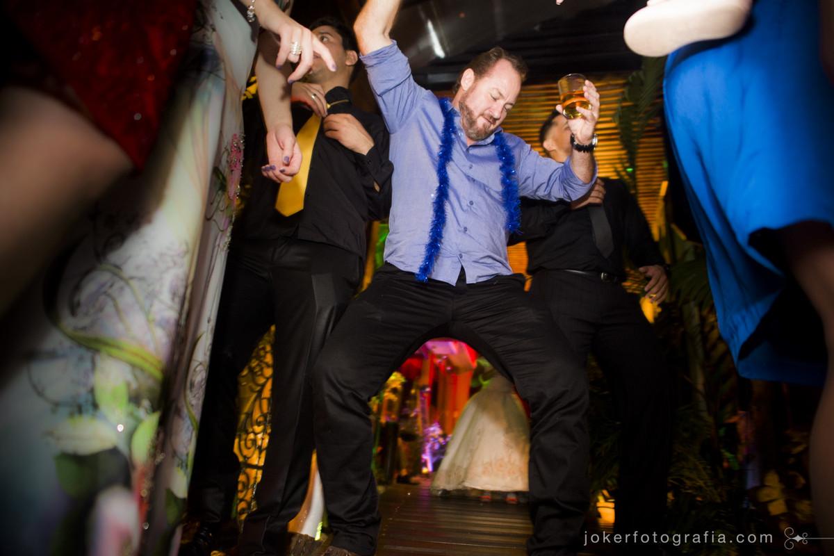 quando o tio da noiva dá show no dia do casamento