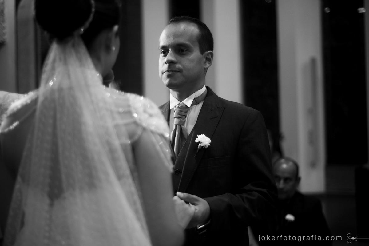o noivo leandro antunes no dia do seu casamento em curitiba