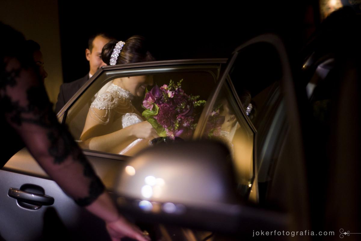 carro da noiva e saida da cerimonia religiosa em curitiba