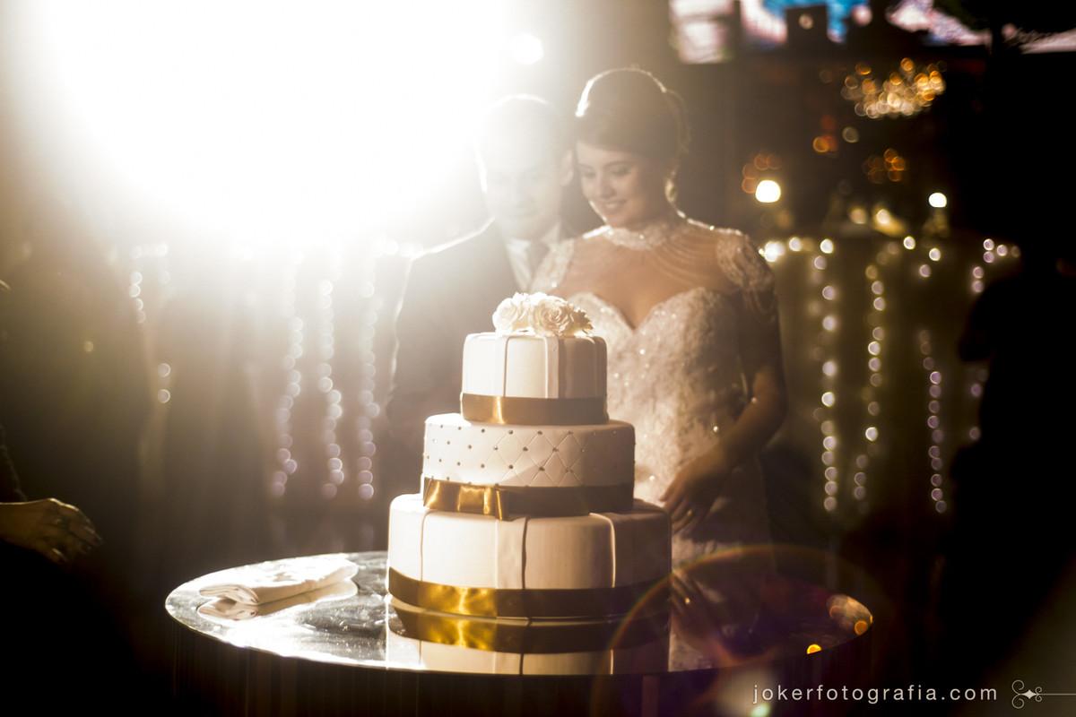 bolo dos noivos mais lindo de todos
