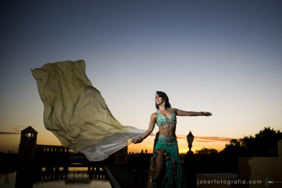 Aulas de dança do ventre em Curitiba com a bailarina e professora Cintia Janiiah