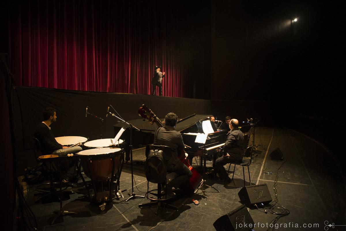 Os pianistas da orquestra do teatro Guaíra Luiz Néri Pfutzenreuter e Jocir Macedo