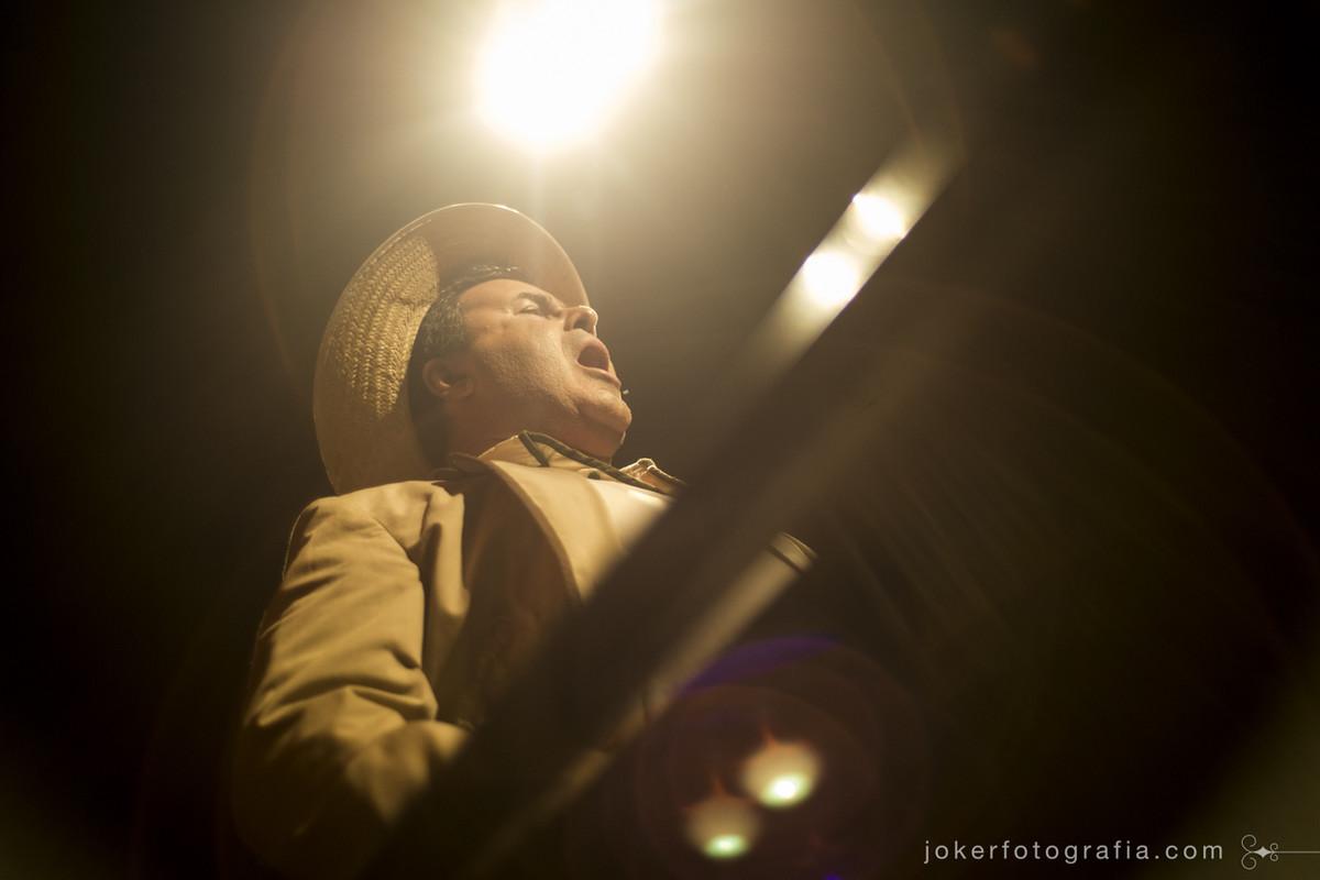 Fotógrafo registra cantores de ópera