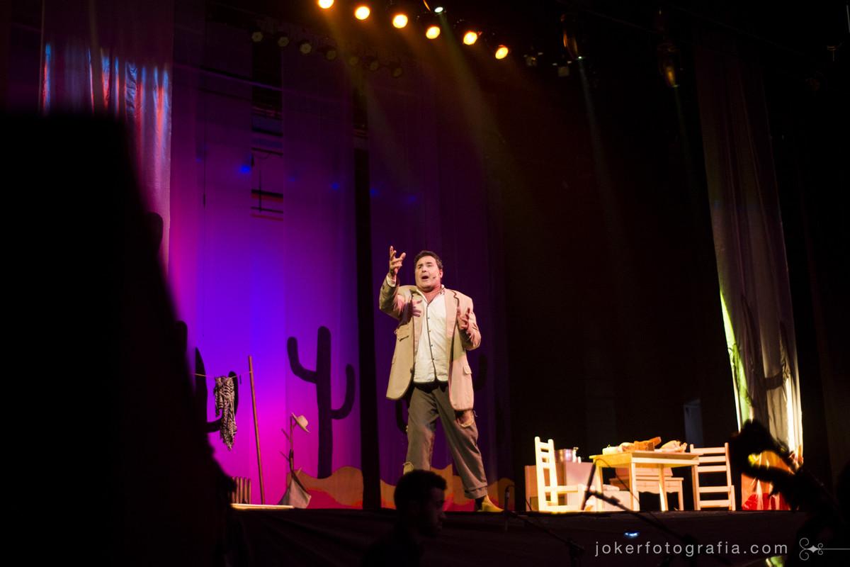 No palco do Guaíra com direção Cênica de Jul Leardini