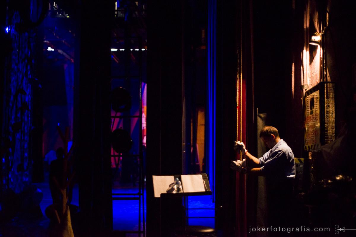 Bastidores do teatro guaíra em projeto fotográfico incrível