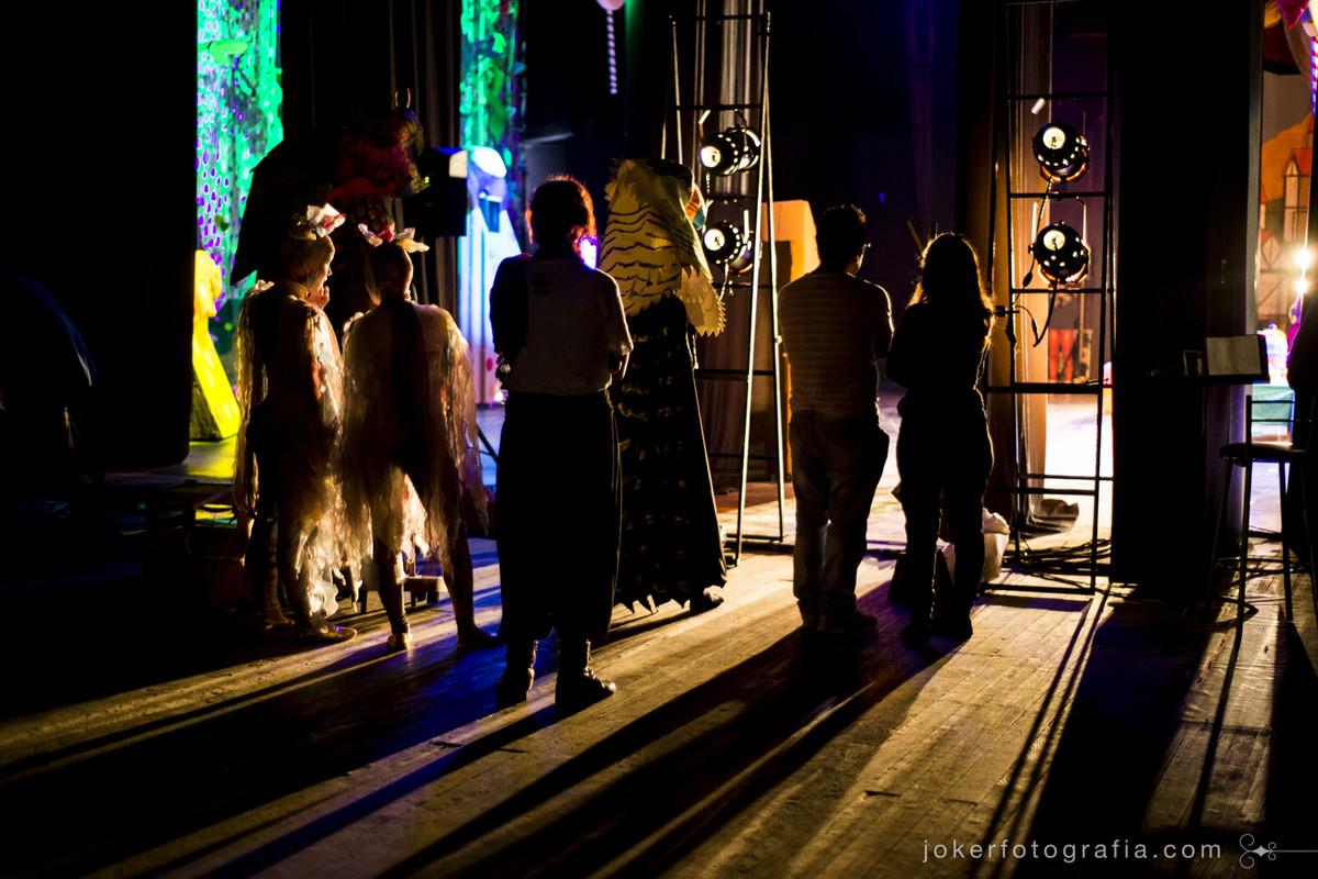 Fotógrafo faz projeto artístico registrando os bastidores do Teatro Guaíra em Curitiba