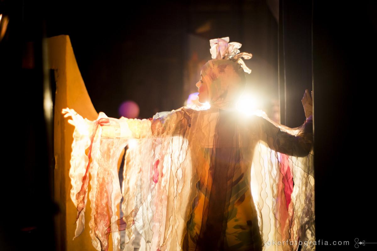 bailarina do teatro guaíra em ensaio fotográfico por Joker Fotografia