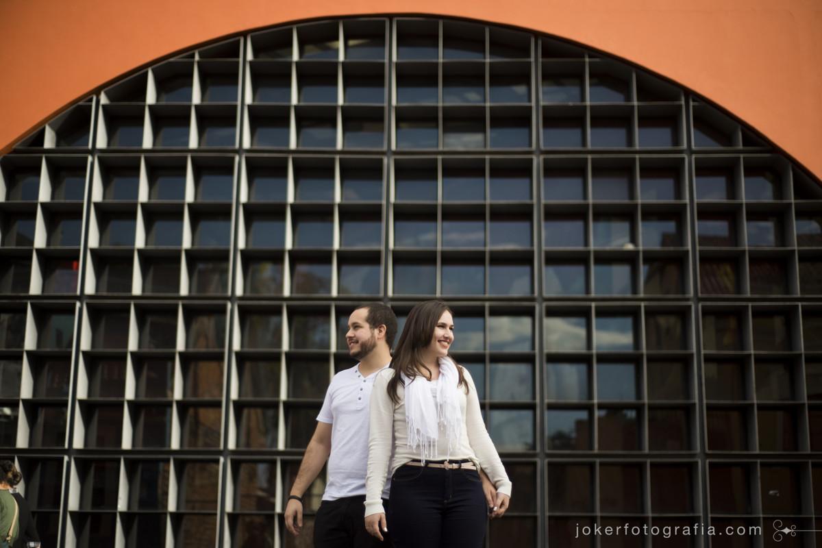 fotógrafo em Curitiba usa pontos turísticos da cidade para registrar visita de casal em lua de mel