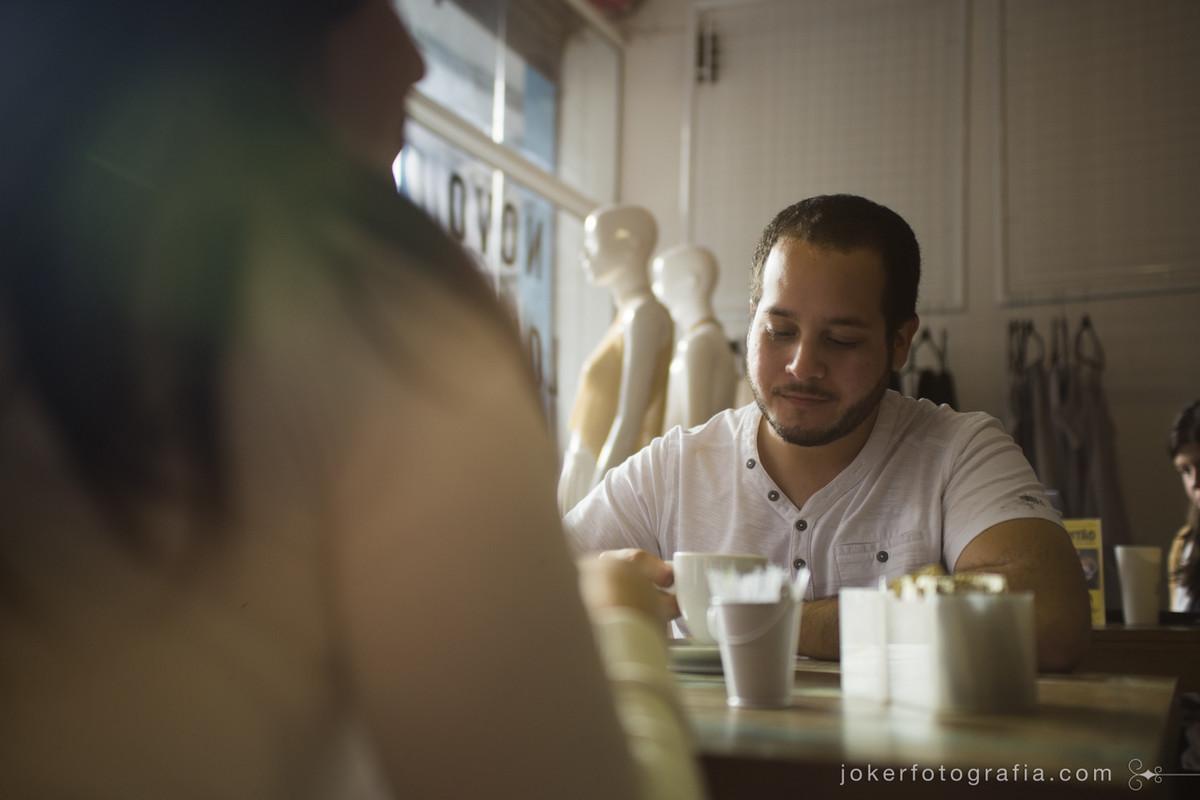 o espaço colaborativo novo louvre no centro de curitiba reúne arquitetura, moda e design e ainda conta com um café