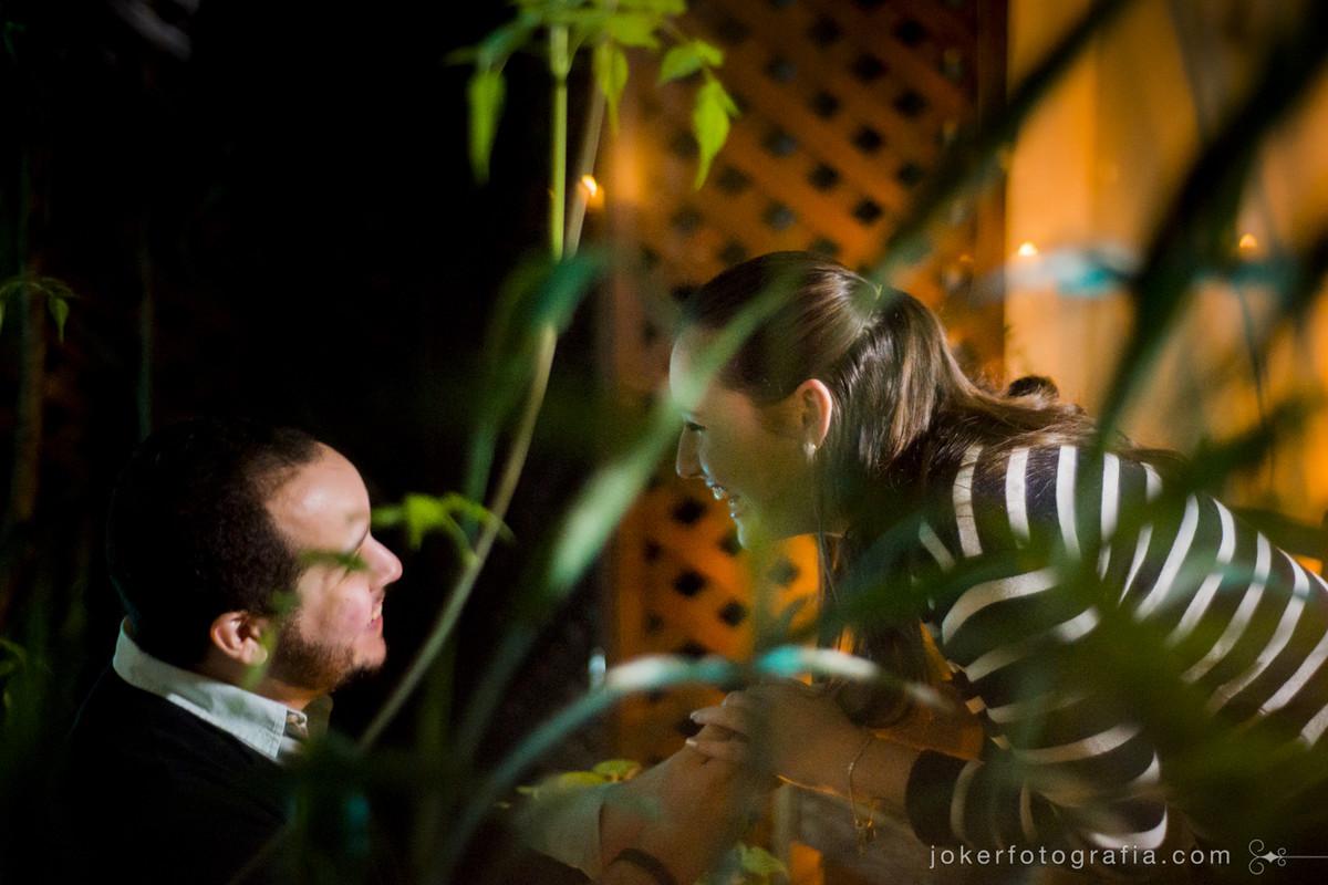 noivo faz surpresa romântica no dia dos namorados