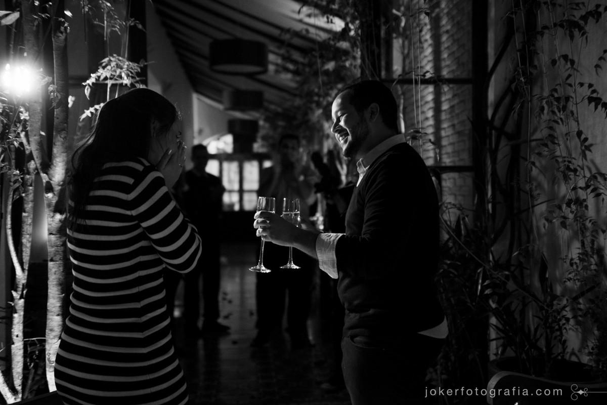 hotel san juan johnscher é o cenário que ele escolheu para pedir a namorada em casamento com um jantar surpresa