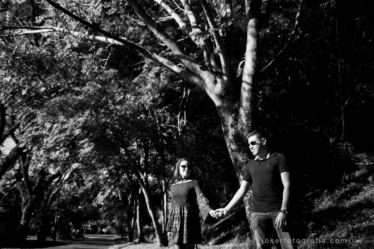 fotografia preto e branco em ensaio pre wedding e de casamento
