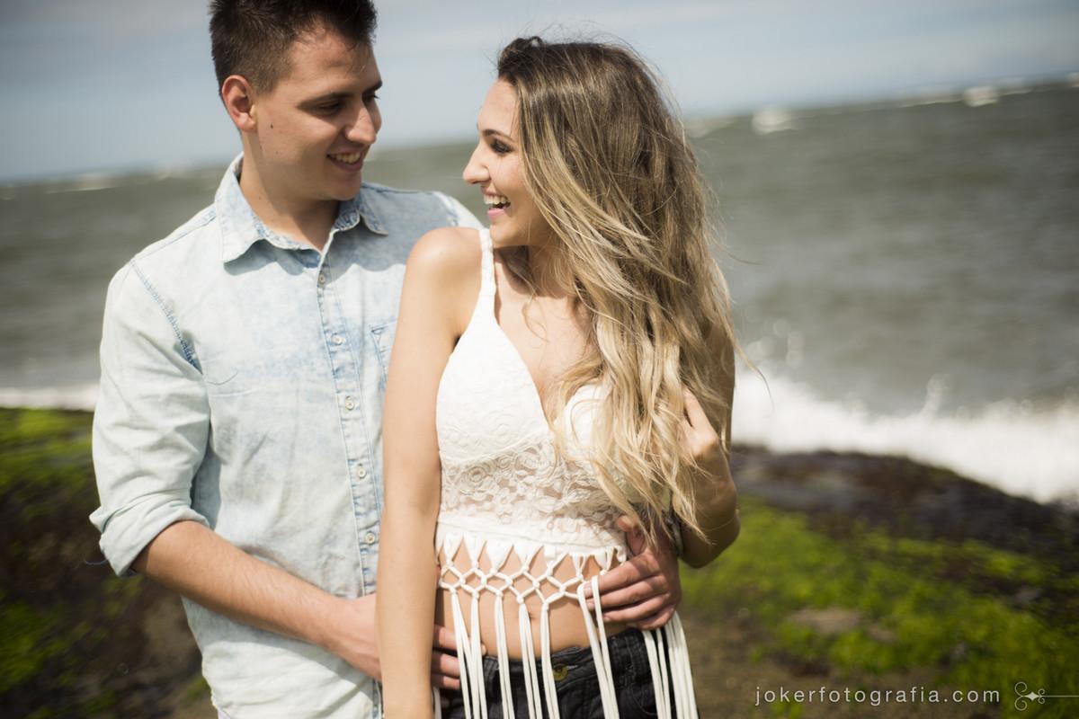 ensaio de casal na praia